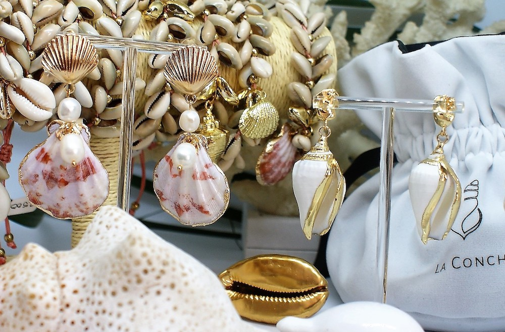 The La Conch jewellery.